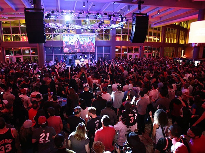 Xfinity East Plaza At American Airlines Arena Mondo Dr