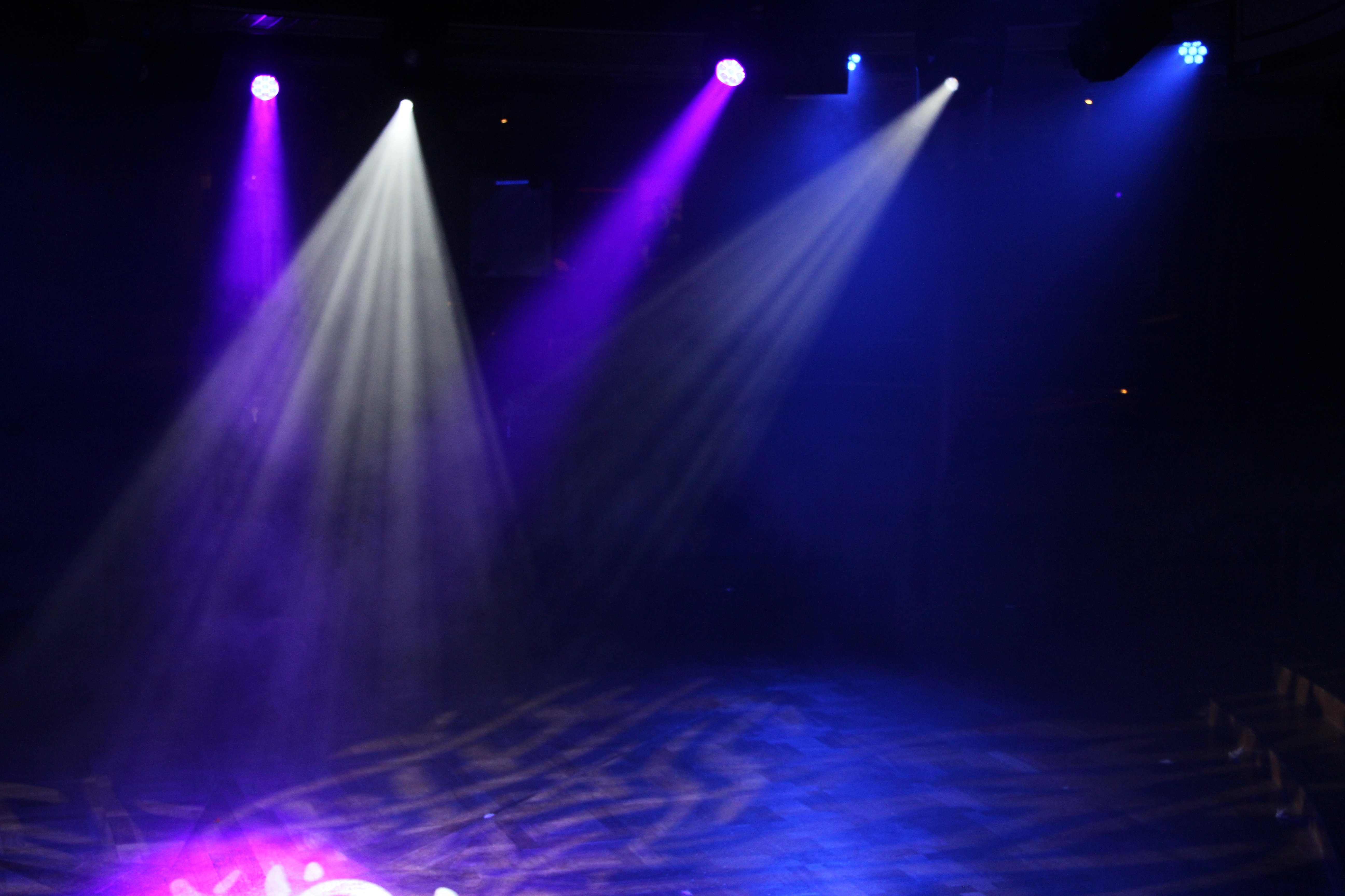 chauvet with left machine frequencies smoke product hire remote lighting hurricane