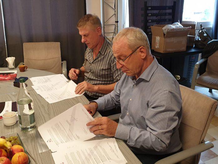 Sixty82's CEO Fokko Smeding with Silvio Cibien, CEO of new distributor, CAST Switzerland
